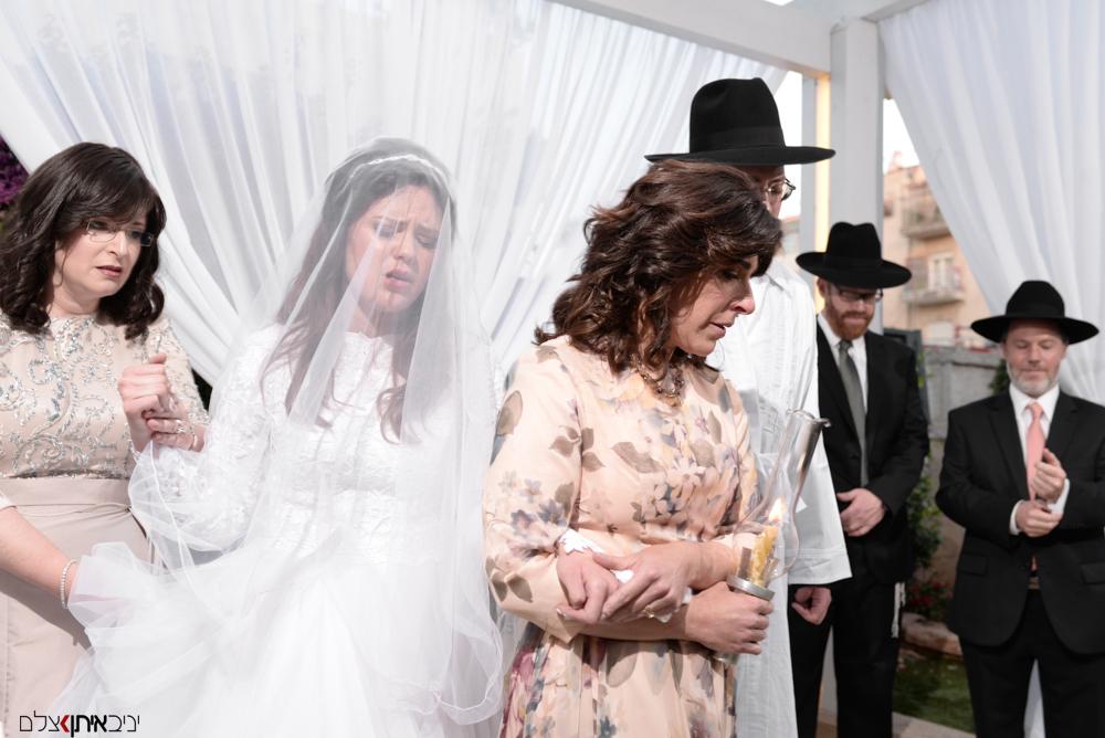 צלם חתונות דתי מתעד חופה למגזר החרדי