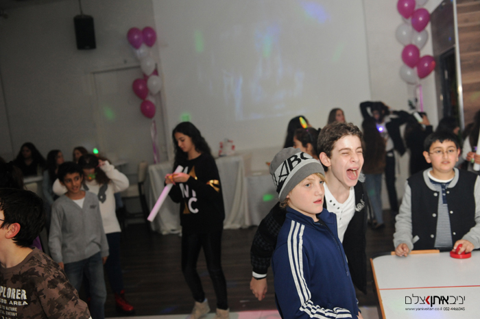 צלמי אירועים למסיבות במרכז, צילום נערים במועדון בתל אביב
