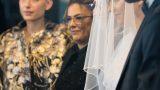 החתן והכלה הנרגשים בחופה