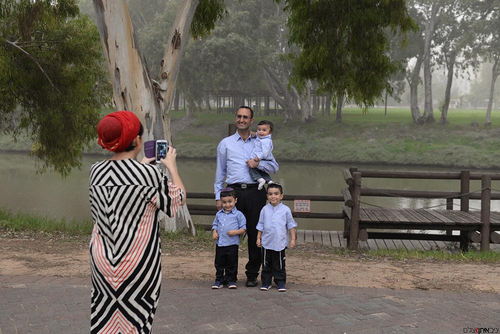 סלפי משפחתי בתל אביב על גדות הירקון - יניב איתן חוות דעת על צילום אירועים