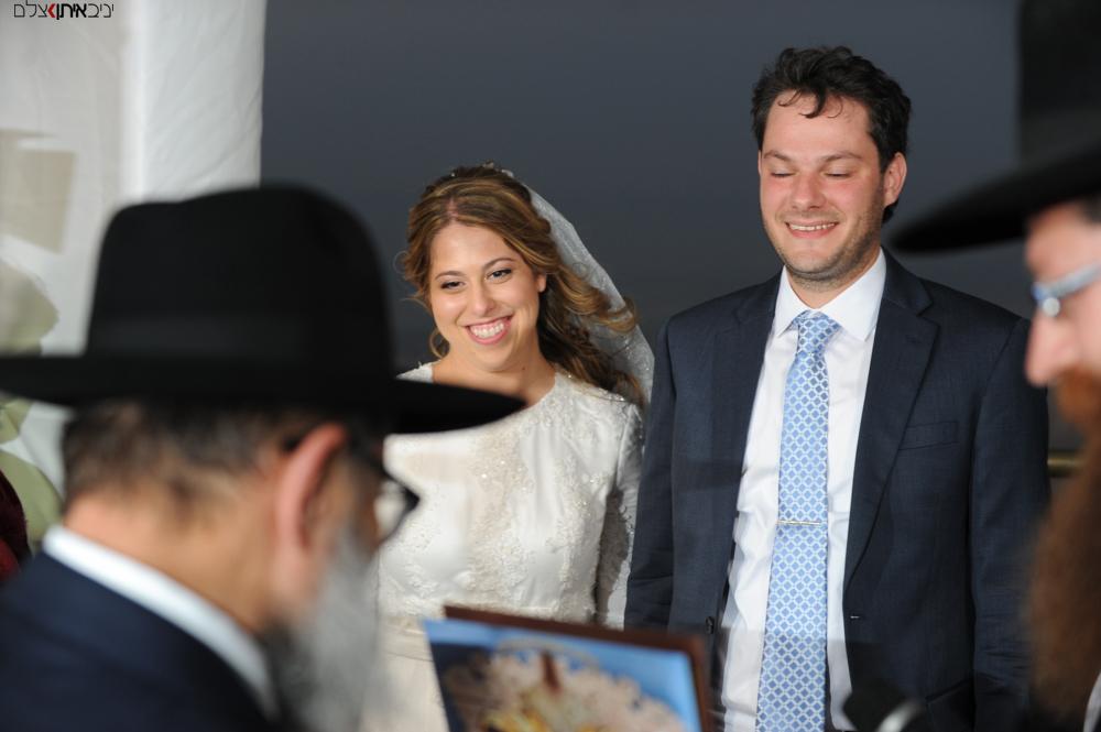 שמחת החתן והכלה בחתונה חסידית
