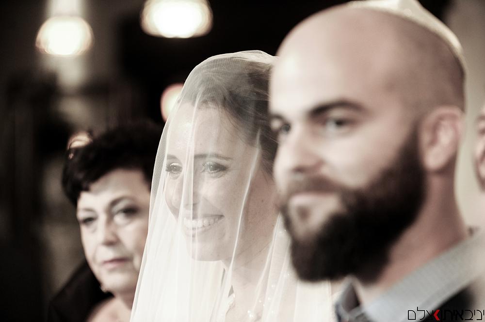 צלם דתי לחתונה - אושר עד של החתן והכלה תחת החופה