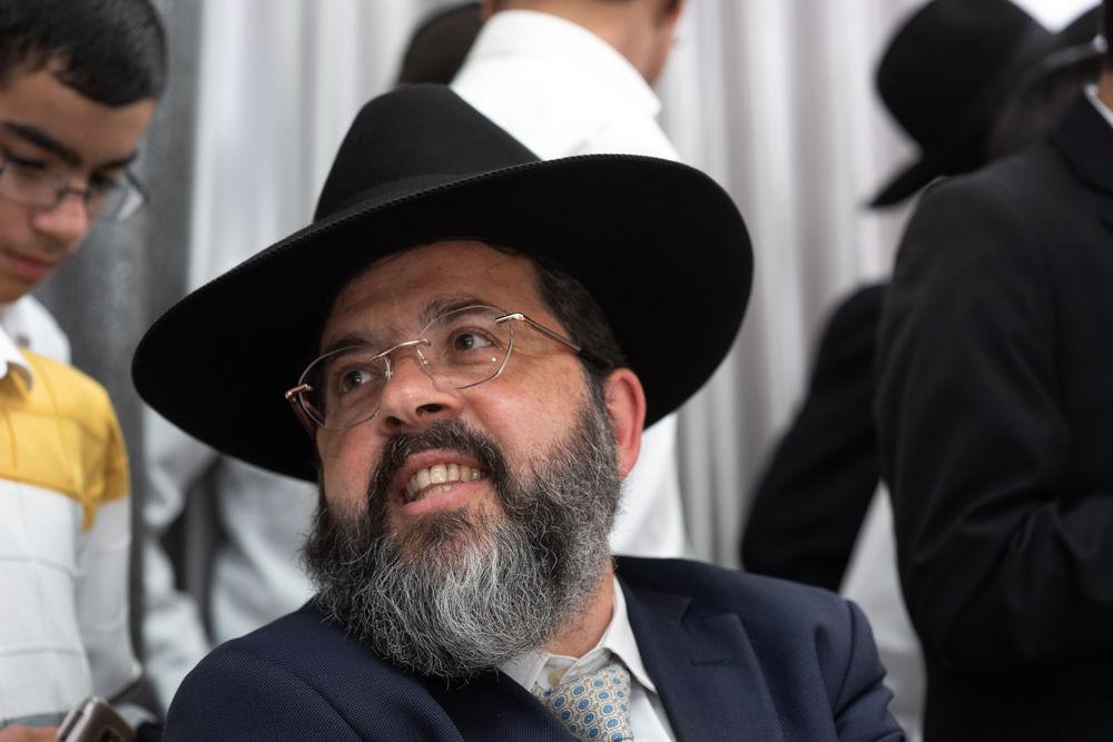 הרב באירוע דרשת הבר מצווה בירושלים