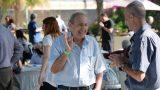 חיוכים ושמחה באירוע עסקי בסמינר באפעל - צילום כנס של חברת טופ אלפא